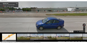 Je vais peut-être me retrouver en photo sur Google Street View comme cette femme en Mazda 3 qui s'est fait prendre en Août 2012)