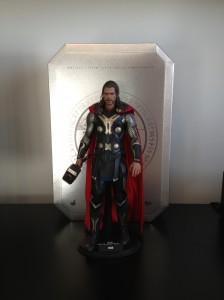 Thor : The Dark World (2014) de face