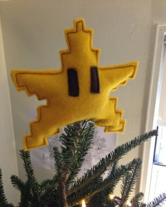 mario-star-christmas-tree-topper-geek-decor-1-442x550